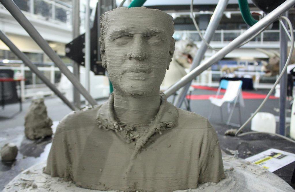 wasp-statue